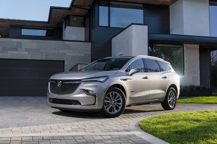 Highlights of the Buick driver confidence plus package include automatic emergency braking, front pedestrian braking, and more. - Photo: Buick