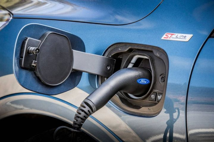 By mid-2026, Ford aims for 100% of its passenger vehicle range in Europe to be zero-emissions capable, all-electric or PHEV, and will moveto all-electric by 2030. - Photo: Ford