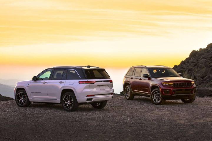 The 2022 Jeep Grand Cherokee will arrive in North America dealershipsin Q4 2021. The new 4xe comes early in 2022 and in global markets later in the year. - Photo courtesy Jeep/Stellantis