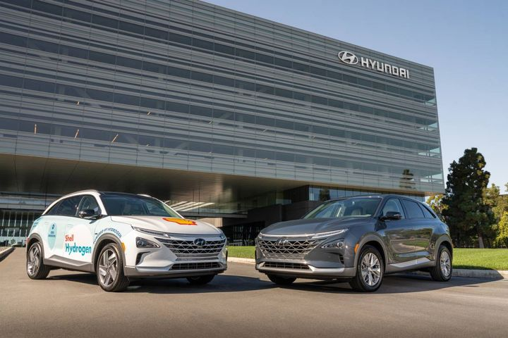 """An agreementdubbed """"Project Neptune""""expands support of 48 new and two upgraded Shell hydrogen stationsin California. Pictured here are the Shell Hydrogen Nexo and Hyundai Nexo. - Photo courtesy of Hyundai"""