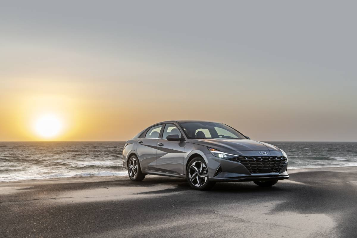 Hyundai Elantra Gets High Marks for Safety Tech