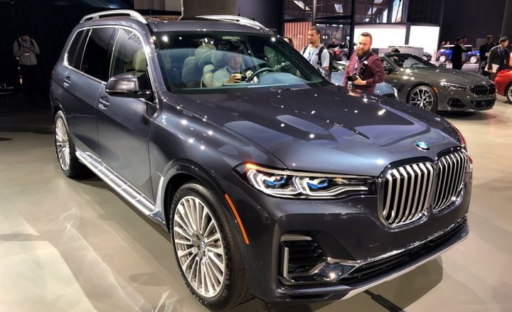 An estimated 1,822 2019 X7 xDrive40i and X7 xDrive50i vehicles are being recalled because the driver and passenger head air bags may not have been properly aligned with the trim during installation.