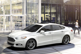 Ford Recalls Fusion, Escape for Possible Rollaway