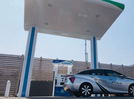 Toyota's Mirai fuel cell sedan will be offered in Hawaii after its distributor built a hydrogen...