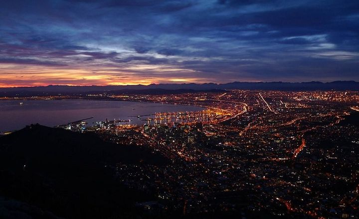 Photo of Cape Town, the capital of South Africa. - Photo courtesy of nobull via Pixabay.