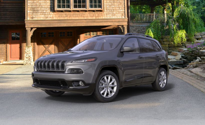 FCA has issued three recalls for its 2018 and 2019 Jeep Cherokee (2018 model shown) and 2018 Chrysler Pacifica.