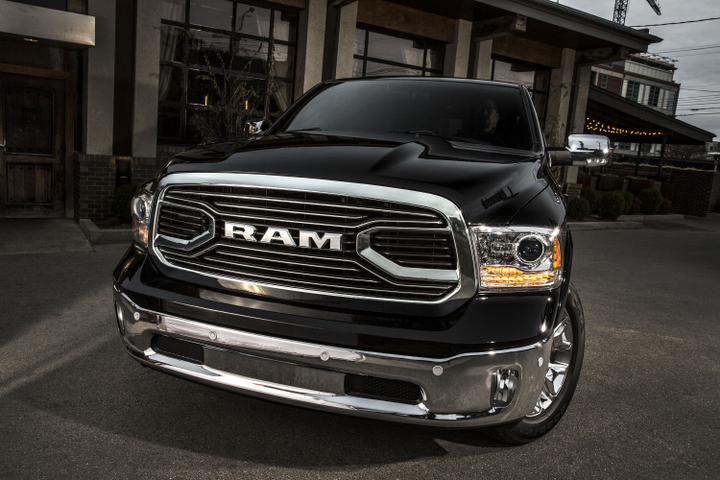 FCA is recalling two bed lengths of its 2015 to 2017 Ram pickup lineup for a tailgate latching defect.