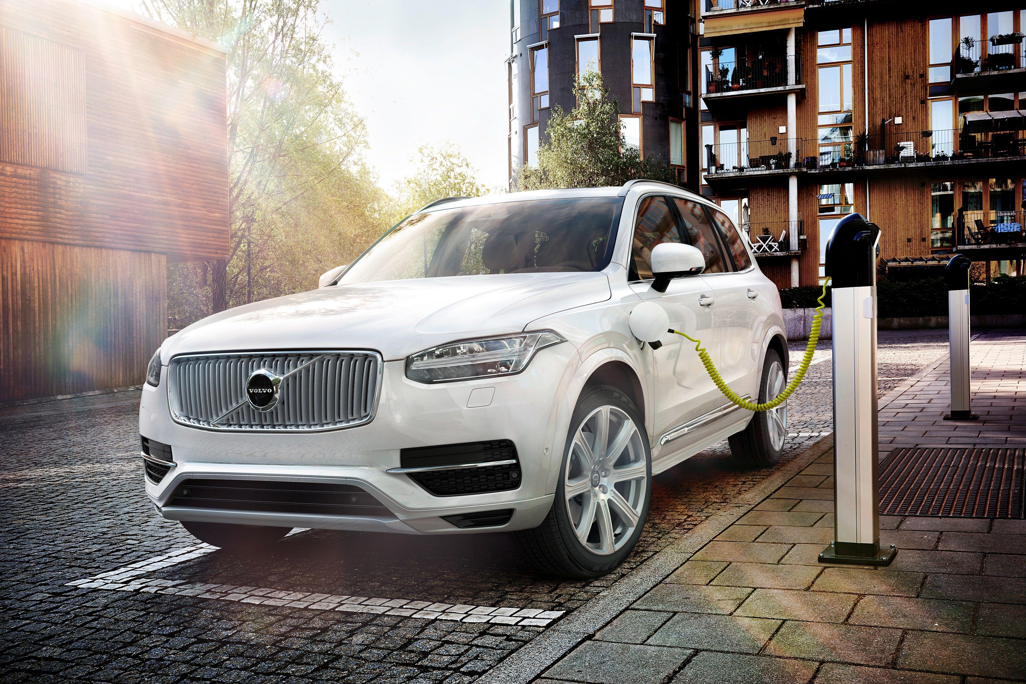 Volvo Updates XC90 Plug-In Hybrid's Performance