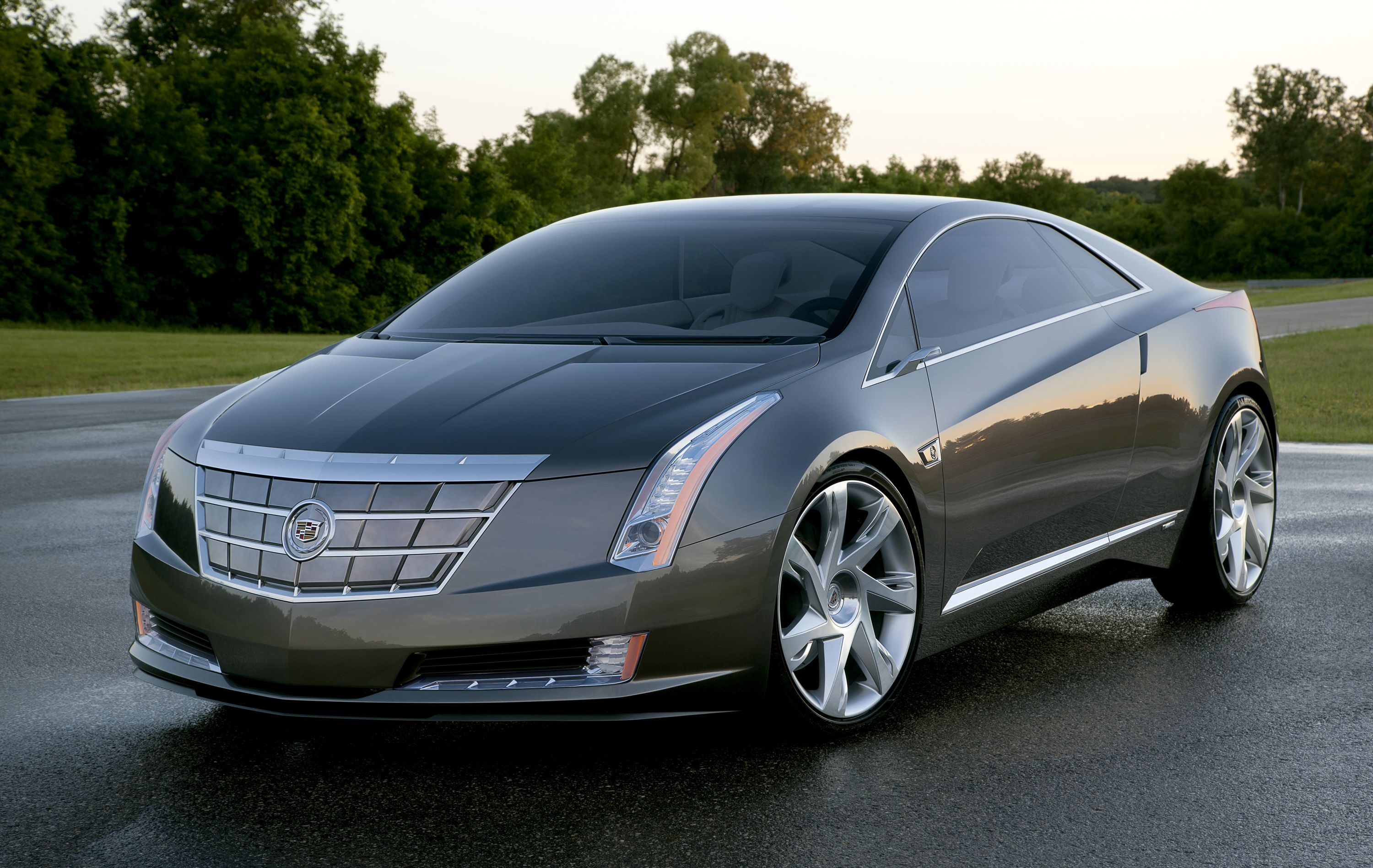 Cadillac to Introduce ELR Extended-Range Electric Car