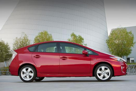 Toyota Recalls Prius, Lexus Hybrids for Air Bag Inflators