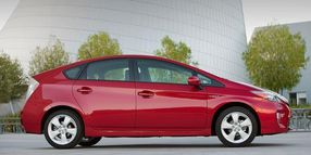 Toyota Recalls Prius, Lexus Hybrids for Air Bag Inflators
