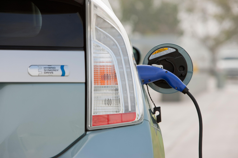 U.S. Plug-In EV Sales Up 23 Percent in 2014