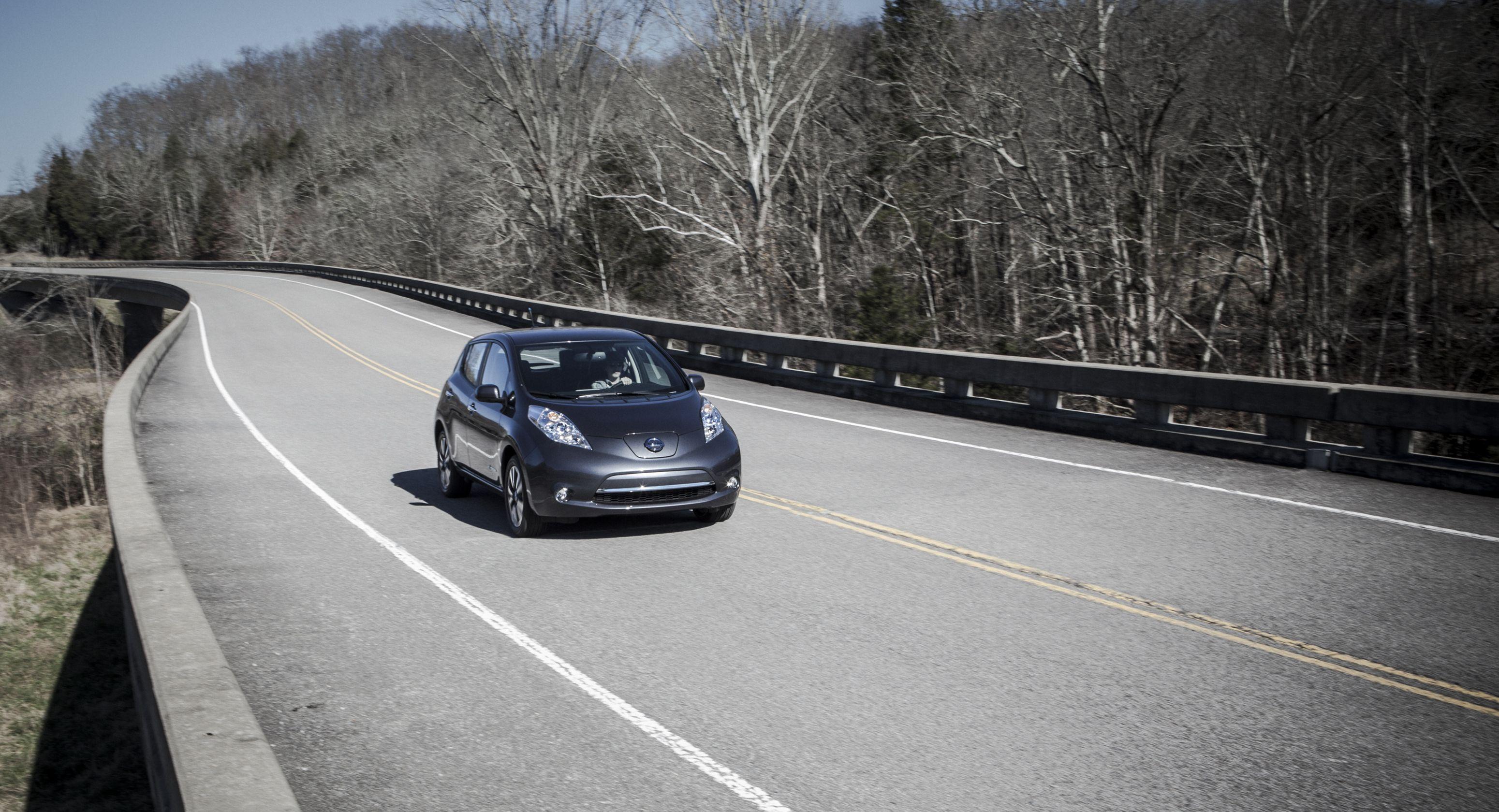 Nissan to Offer LEAF Battery Coverage Program