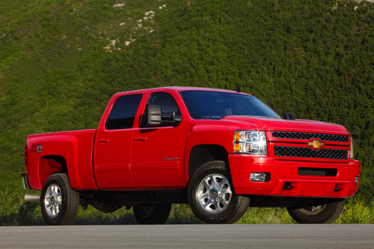 GM Recalls Trucks, SUVs for Chassis-Control System