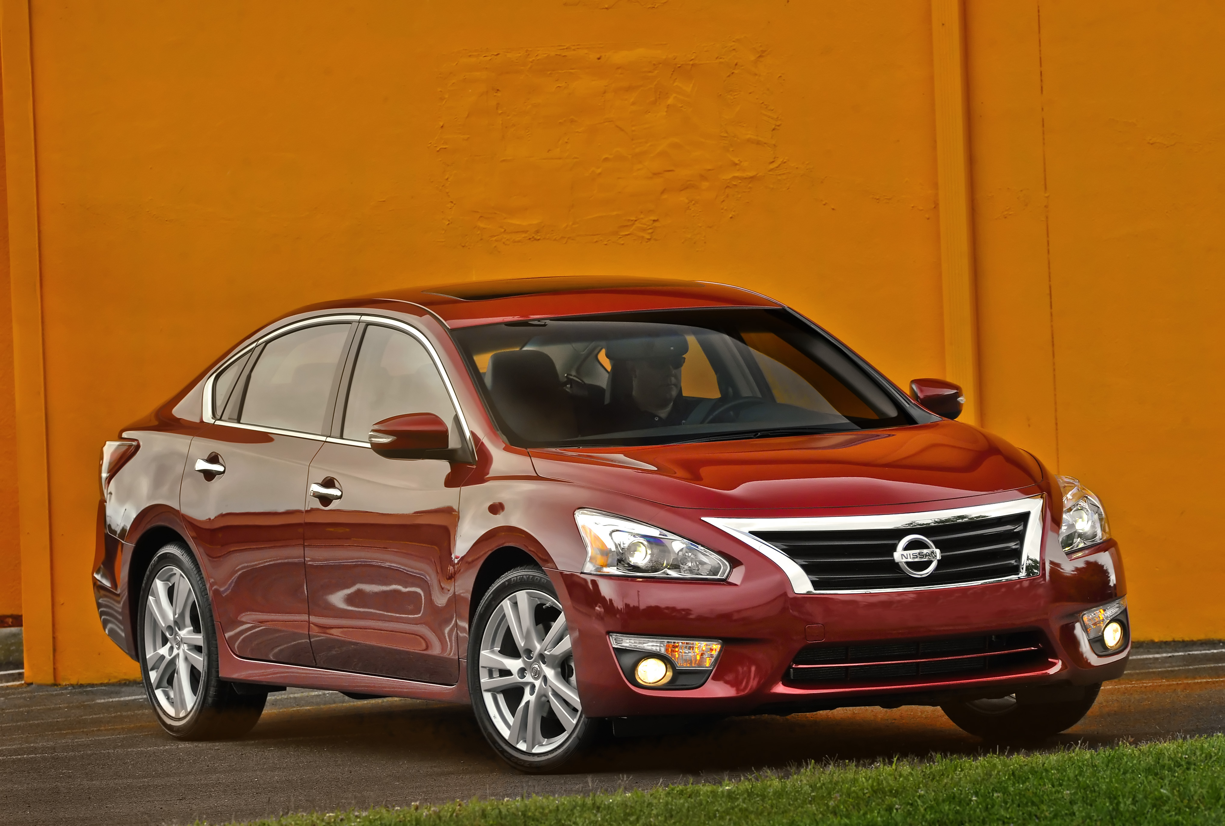 More Nissan Altimas Recalled for Hood Latch