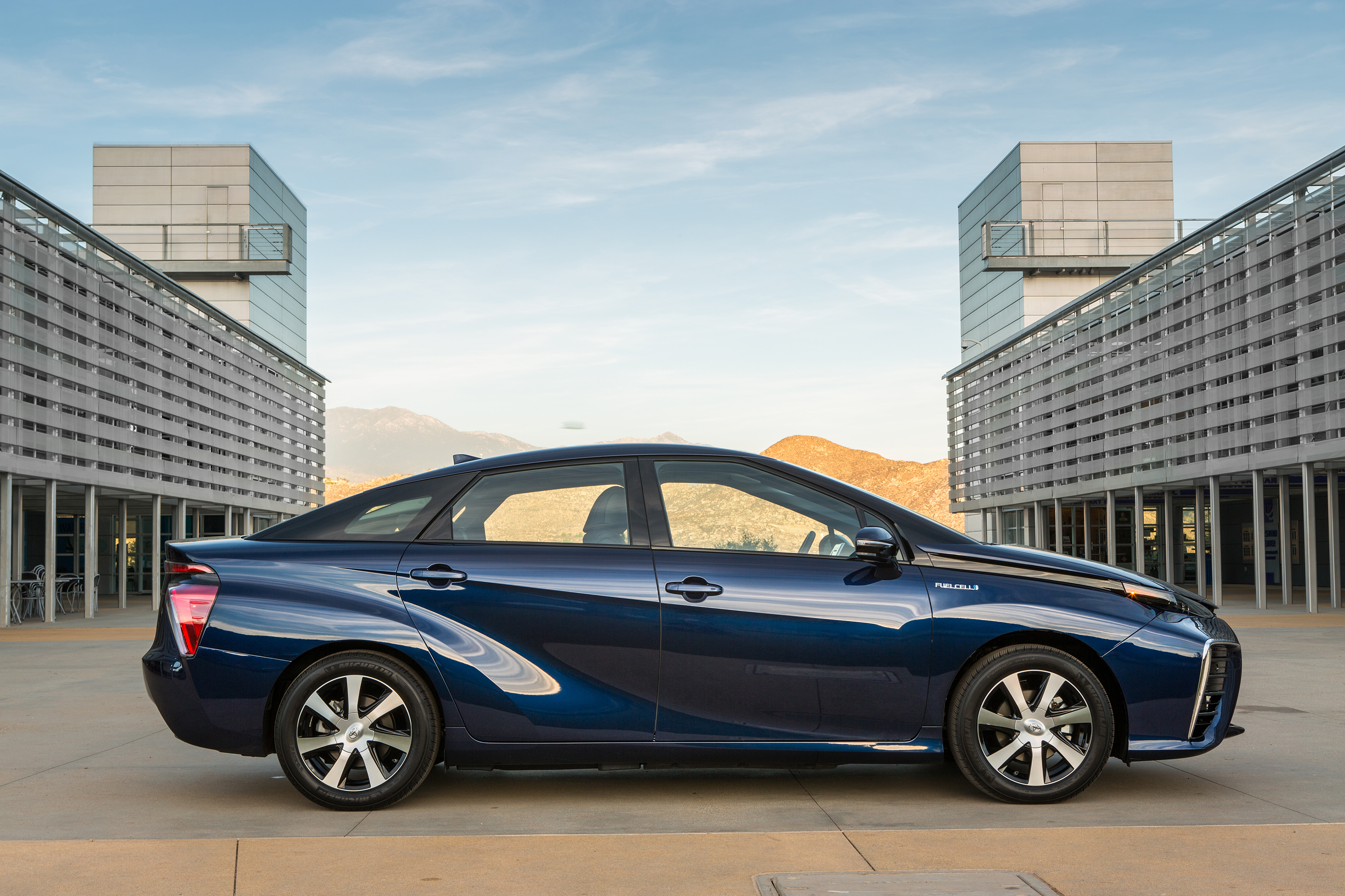 Safety Rule Changes Proposed for Fuel Cell Vehicles