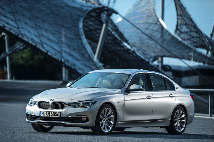 BMW Announces Pricing, Availability for 2016 Models