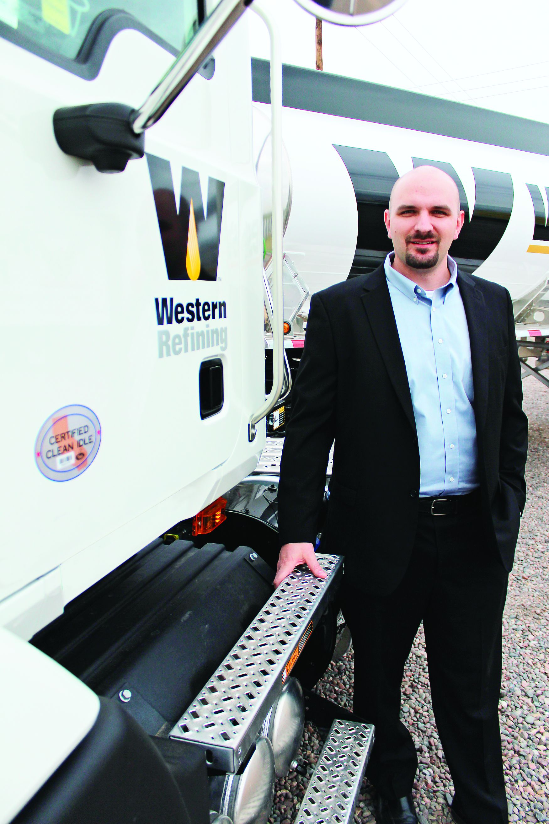 Western Refining Wholesale Promotes Manager to Director