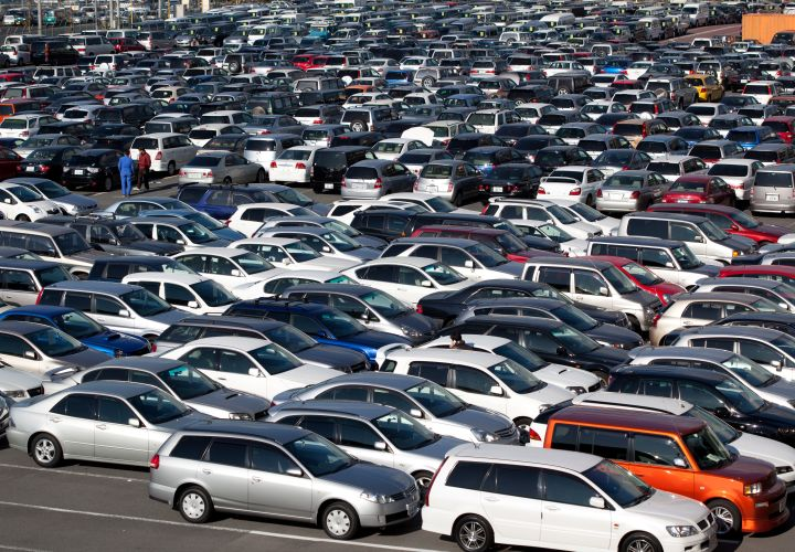 Cars Depreciate 18.2% in 2015, Trucks Stay Hot