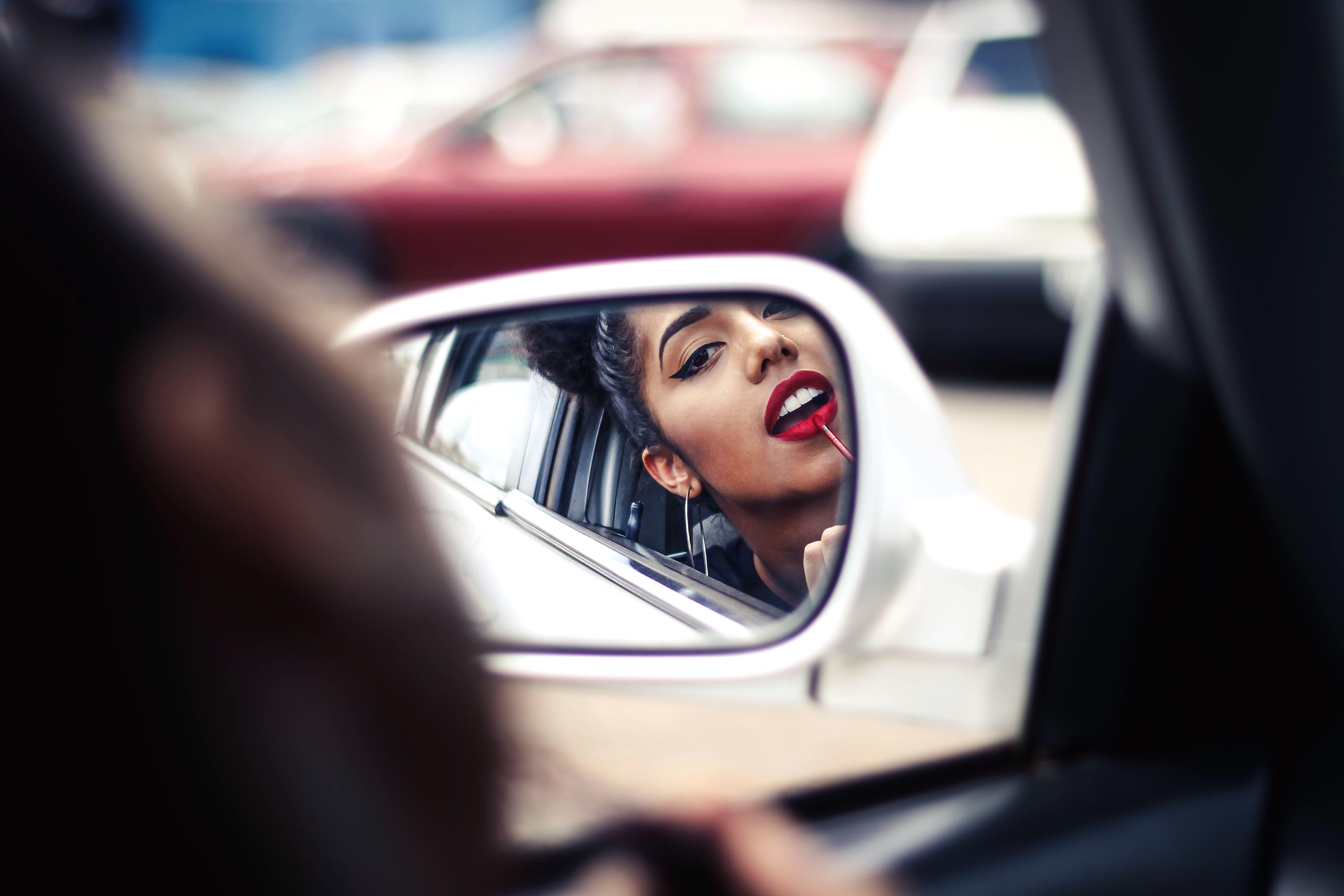 Distracted Driving: Men vs. Women