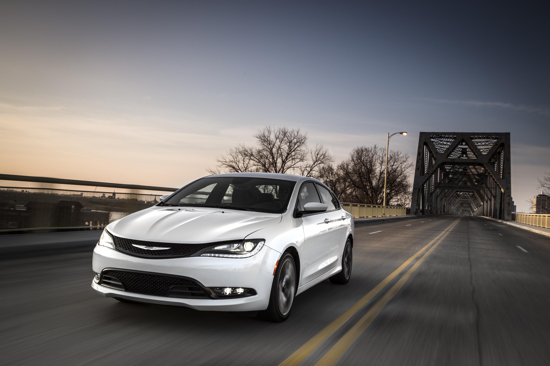 Chrysler Announces 2015-MY Fleet Incentives