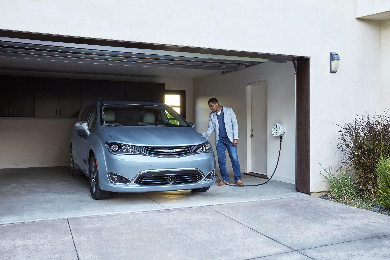 2017 Chrysler Pacifica Hybrid Retails for $34,495
