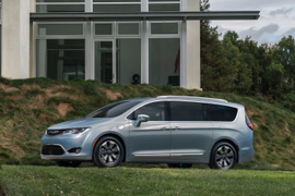 Chrysler Pacifica Rated at 28 MPG Highway
