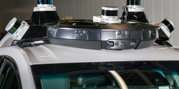 Photo of Cruise AV's autonomous roof hardware courtesy of GM.