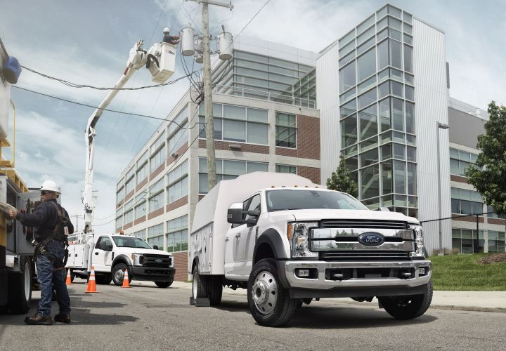 Ford Expands Super Duty Chassis Cab Production