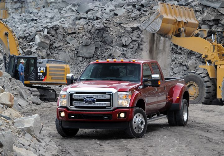 Ford's 2015 F-450 to Meet Towing Standard