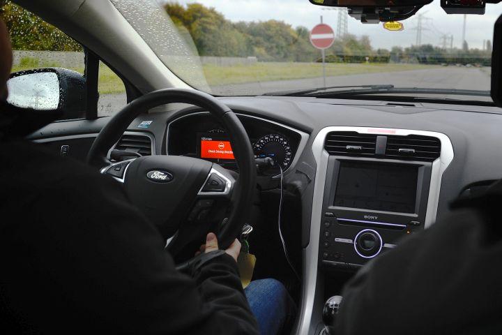 Ford Developing Evasive Steering, Wrong-Way Alert