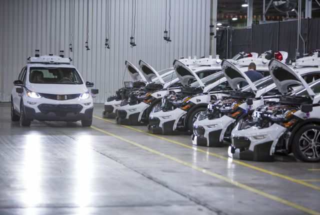 GM Builds Fleet of Self-Driving Bolt EVs