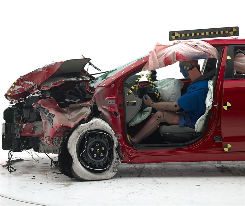 Hyundai Elantra Qualifies for Top Safety Pick+