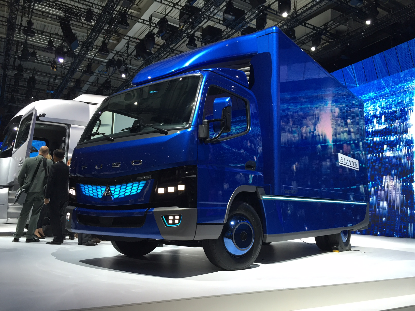 Daimler: Electric Delivery Trucks, Vans on the Way for U.S.