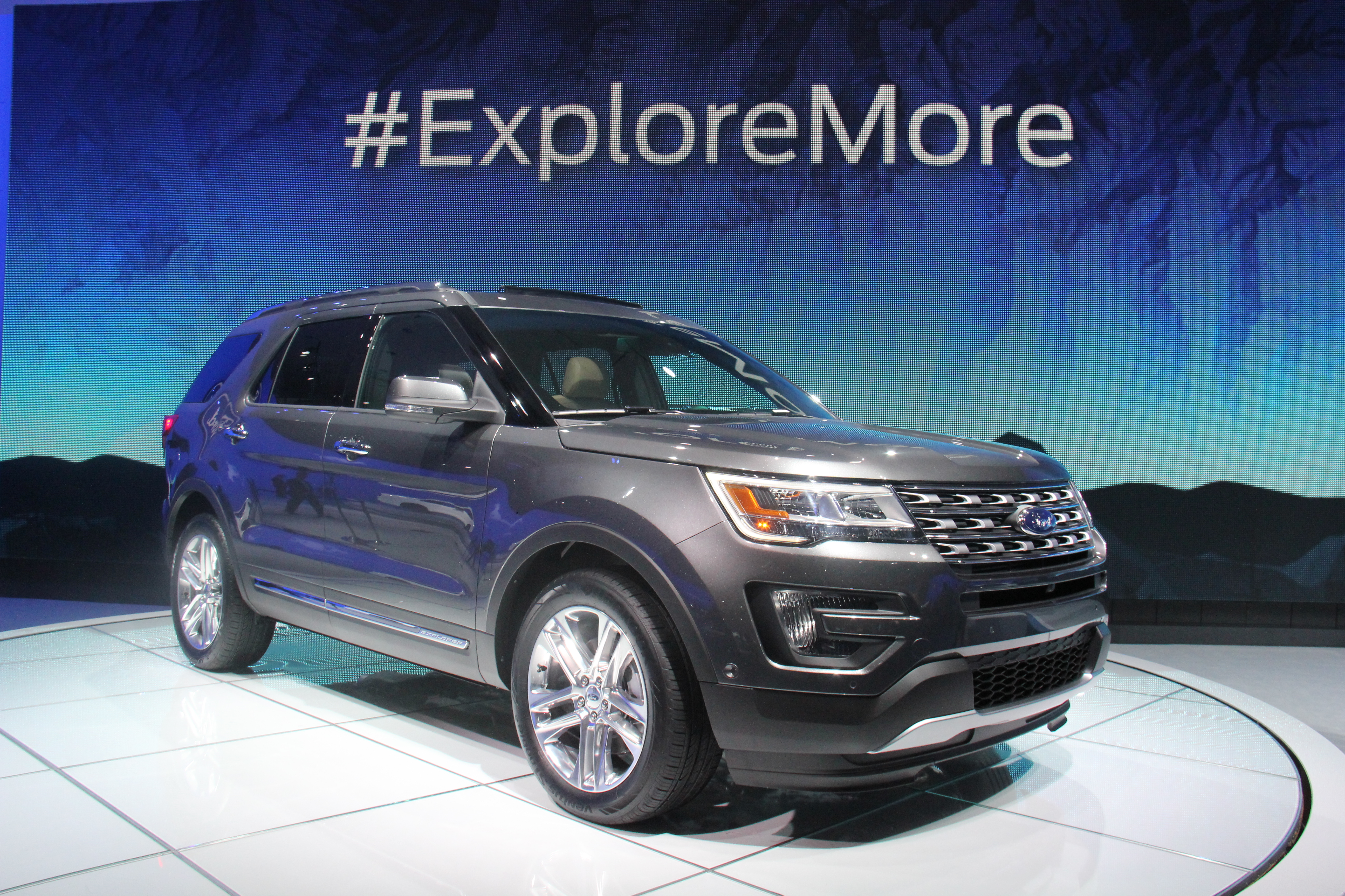 Ford Adds EcoBoost Engine to 2016 Explorer