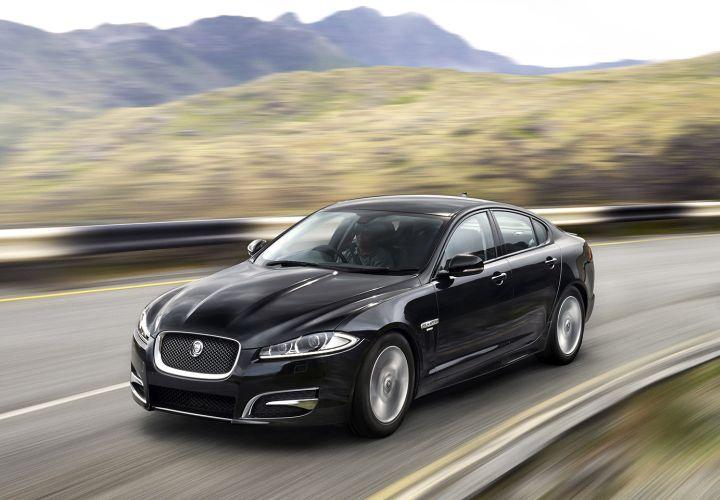 Jaguar Land Rover Offers 2015-MY Fleet Incentives