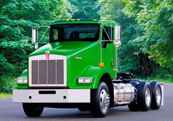 Kenworth T800 LNG Trucks Available for Factory Order and Production