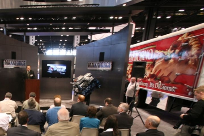 Kraft Foods Adds New Diesel-Electric Refrigerated Hybrid Truck to Fleet