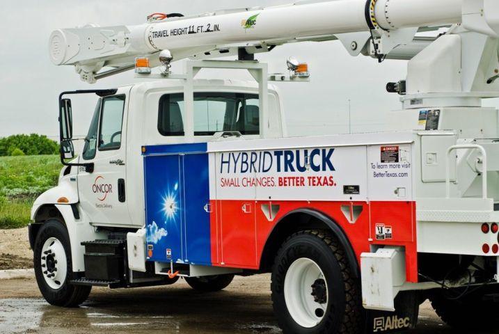 Oncor Unveils Hybrid-Powered Bucket Trucks