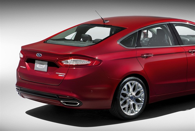 The 2013-MY Fusion has a panel in the decklid that's designed to absorb impacts.