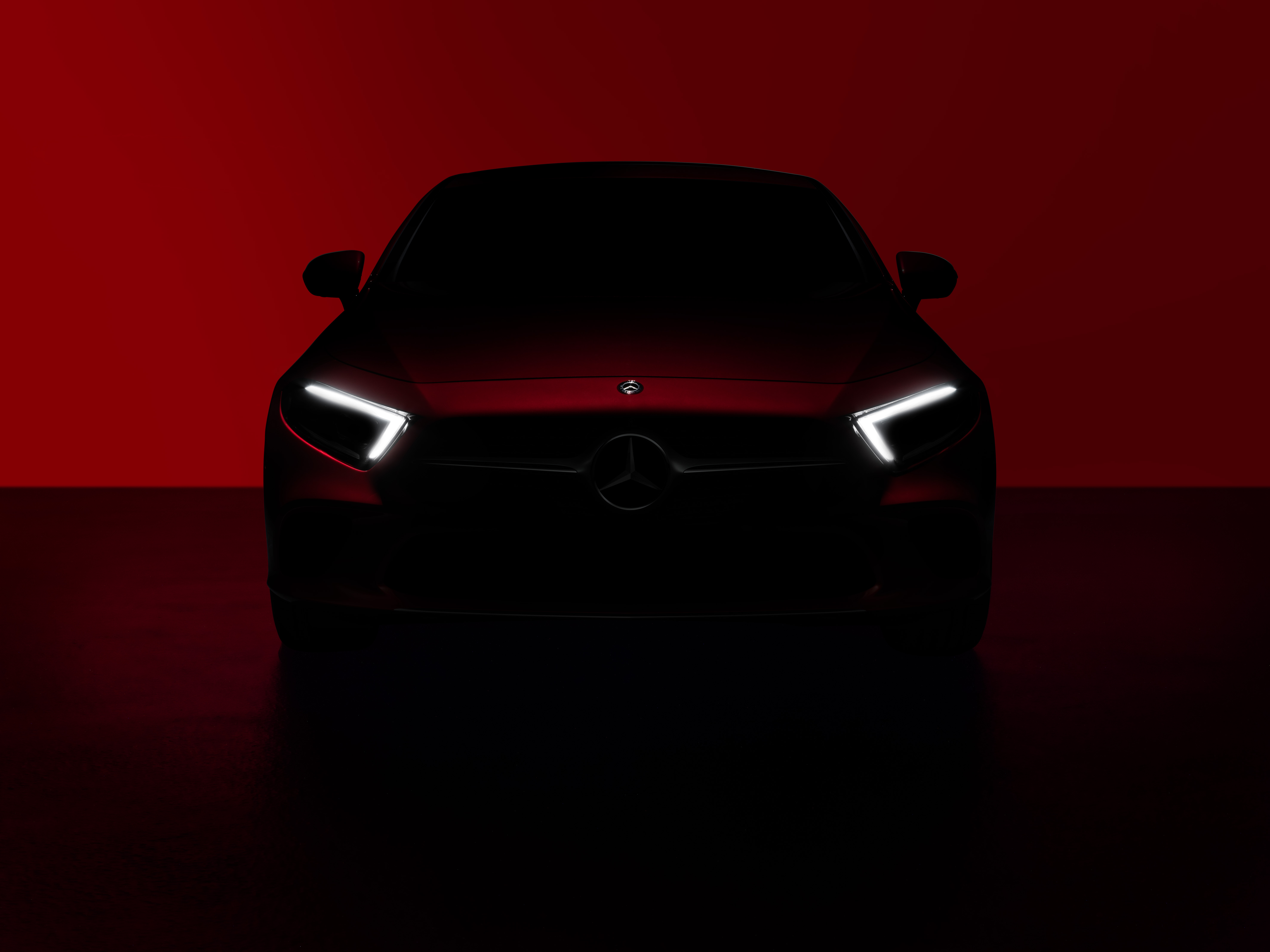 Mercedes-Benz to Unveil Next-Gen CLS