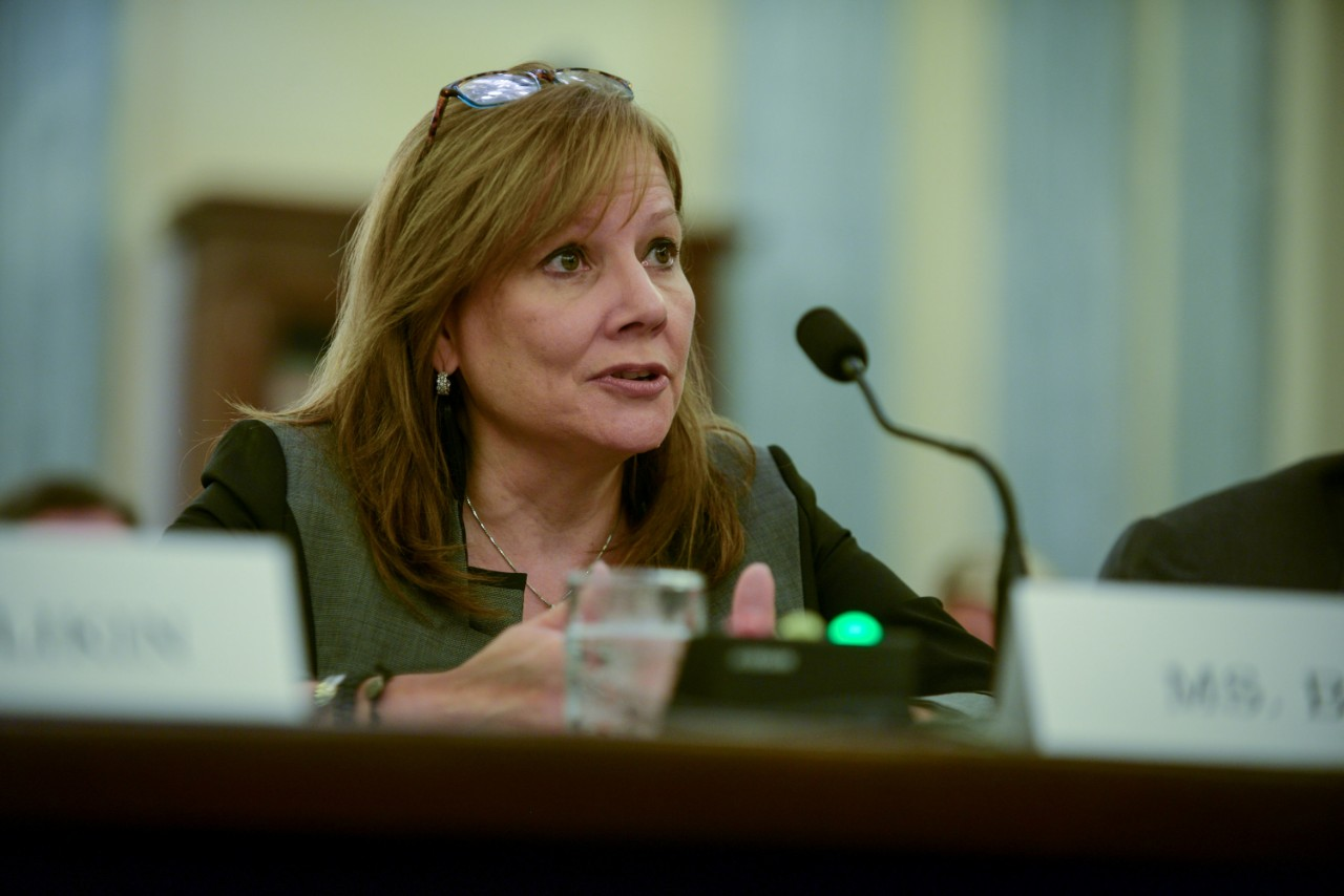 Video: GM CEO Defends Chief Counsel in Senate Testimony