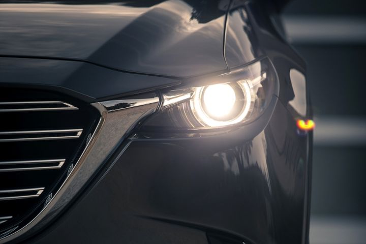Mazda's 2016 CX-9 Offers Standard LED Lighting