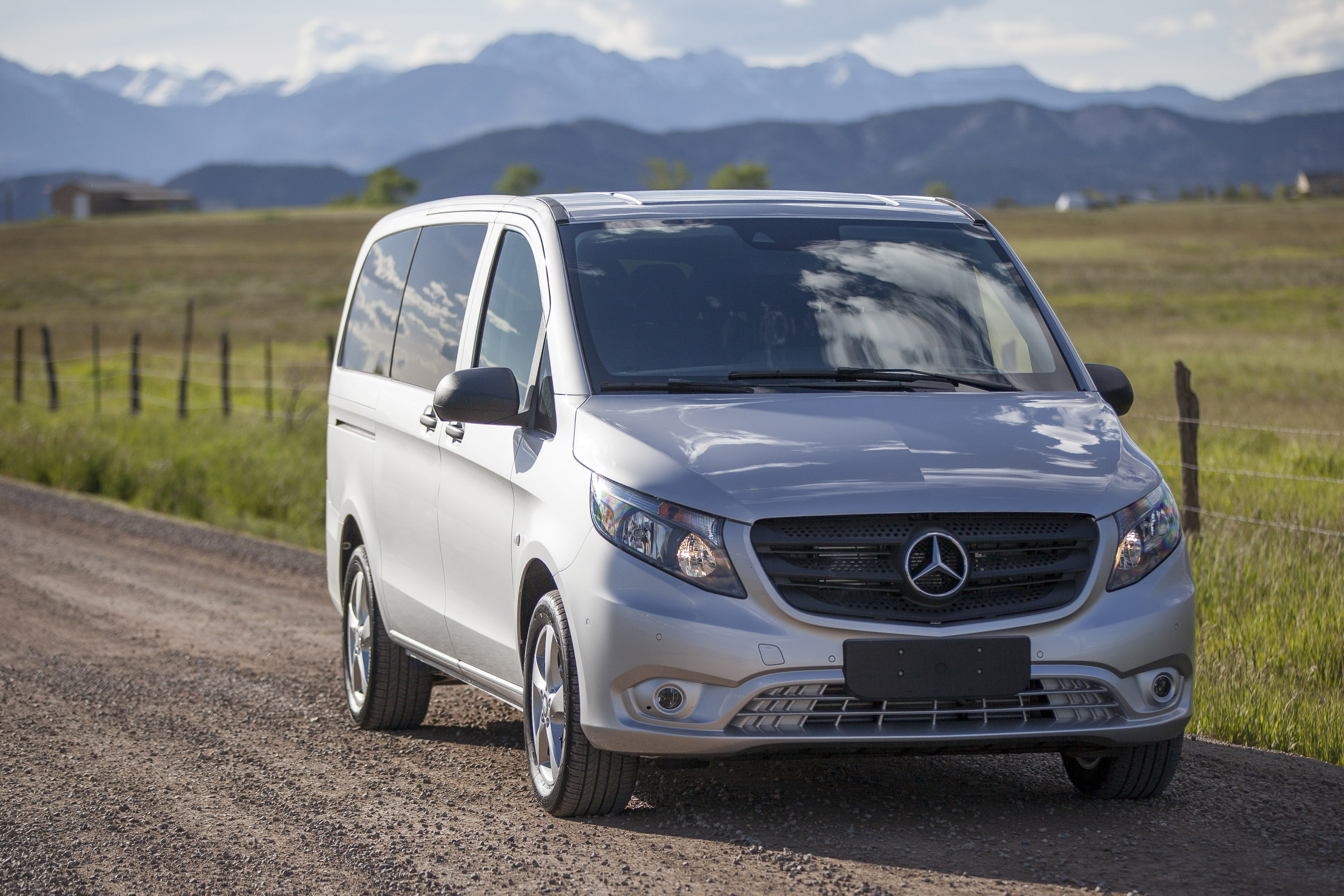 Mercedes Predicts Fleet Niches for Metris Van
