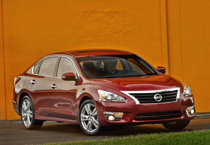 2015 Nissan Altima Starts at $22,300