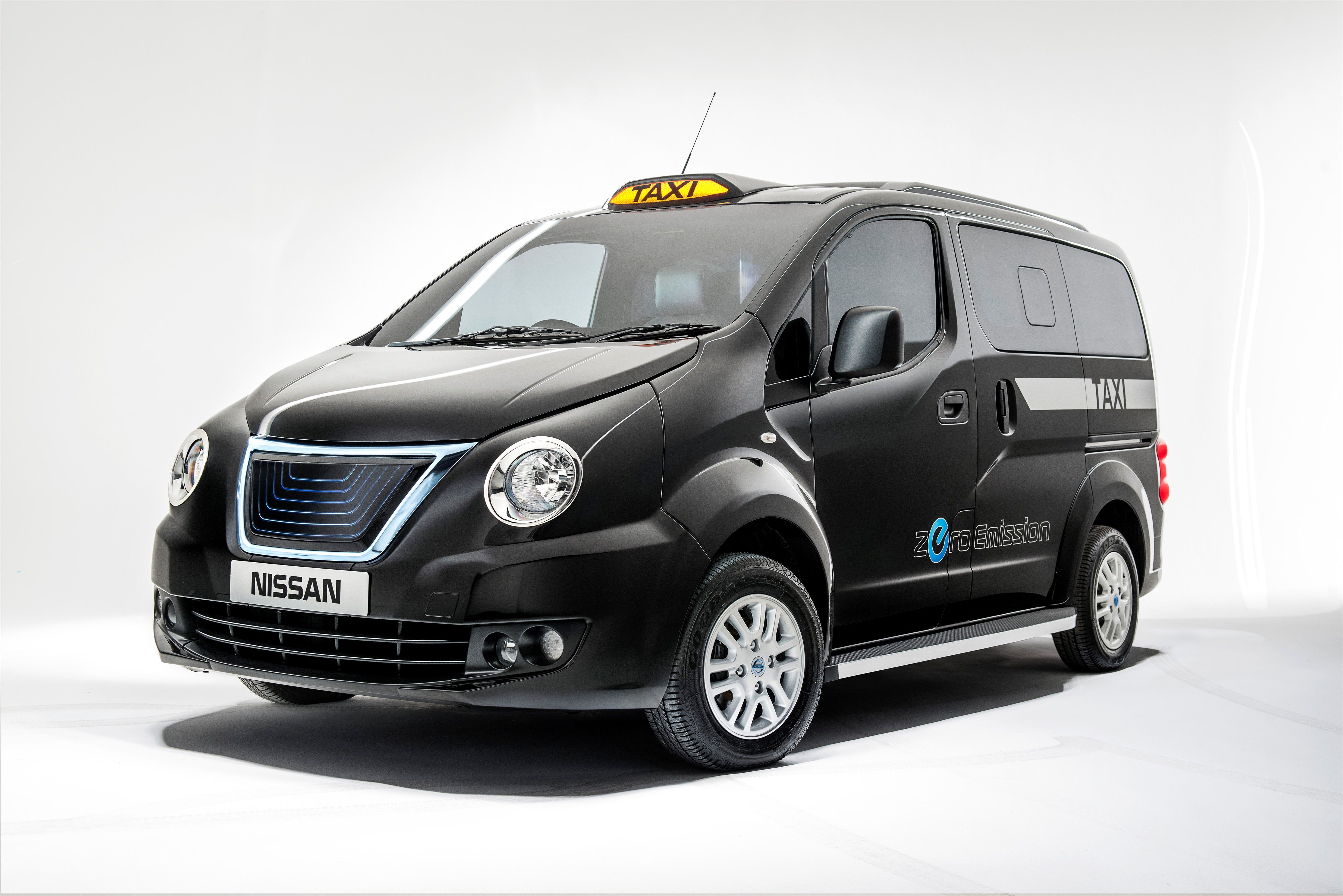 Nissan Gives NV200 Taxi an Iconic Look for the UK
