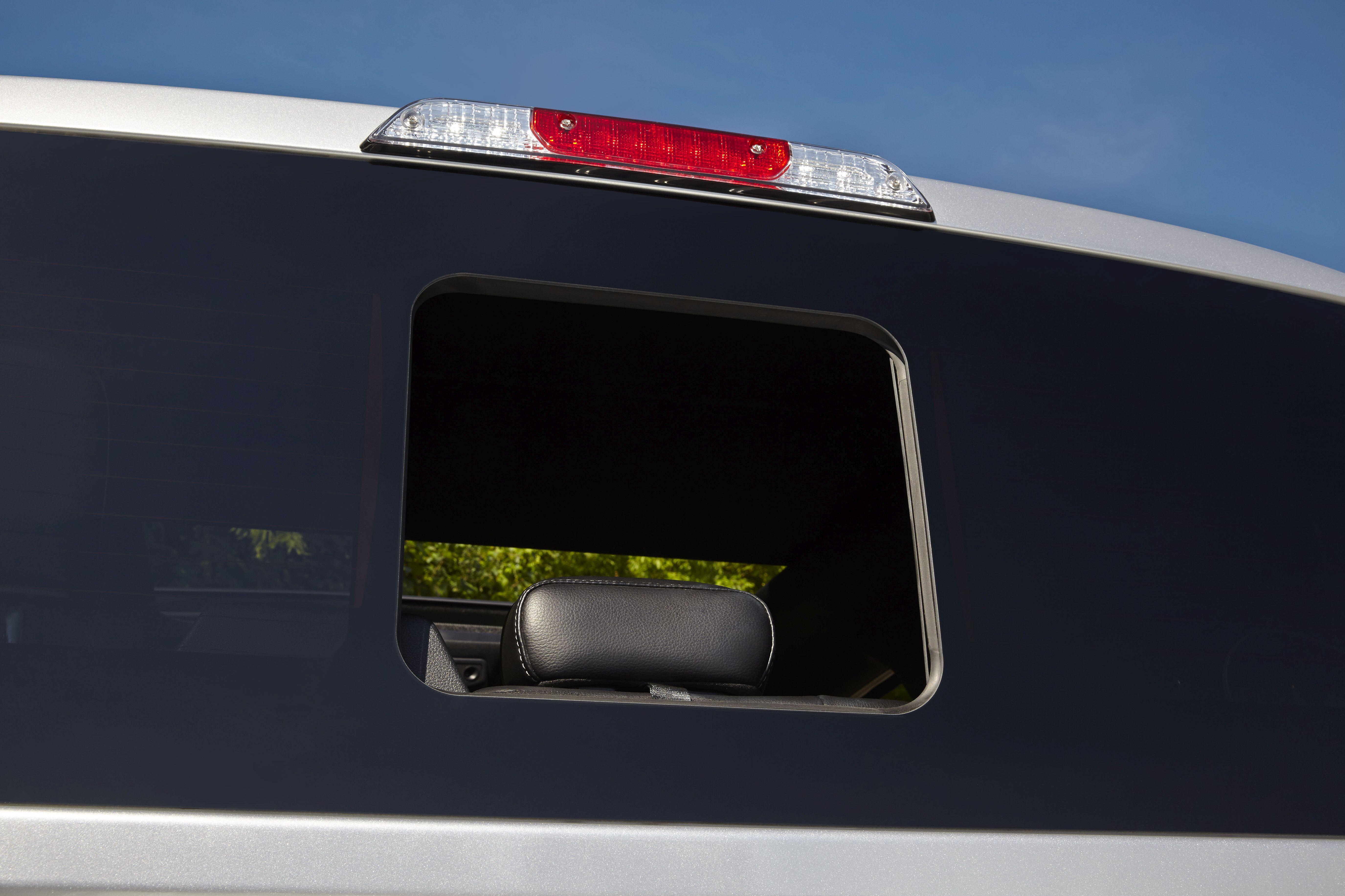 2015 F-150 Gets Seamless Sliding Rear Window