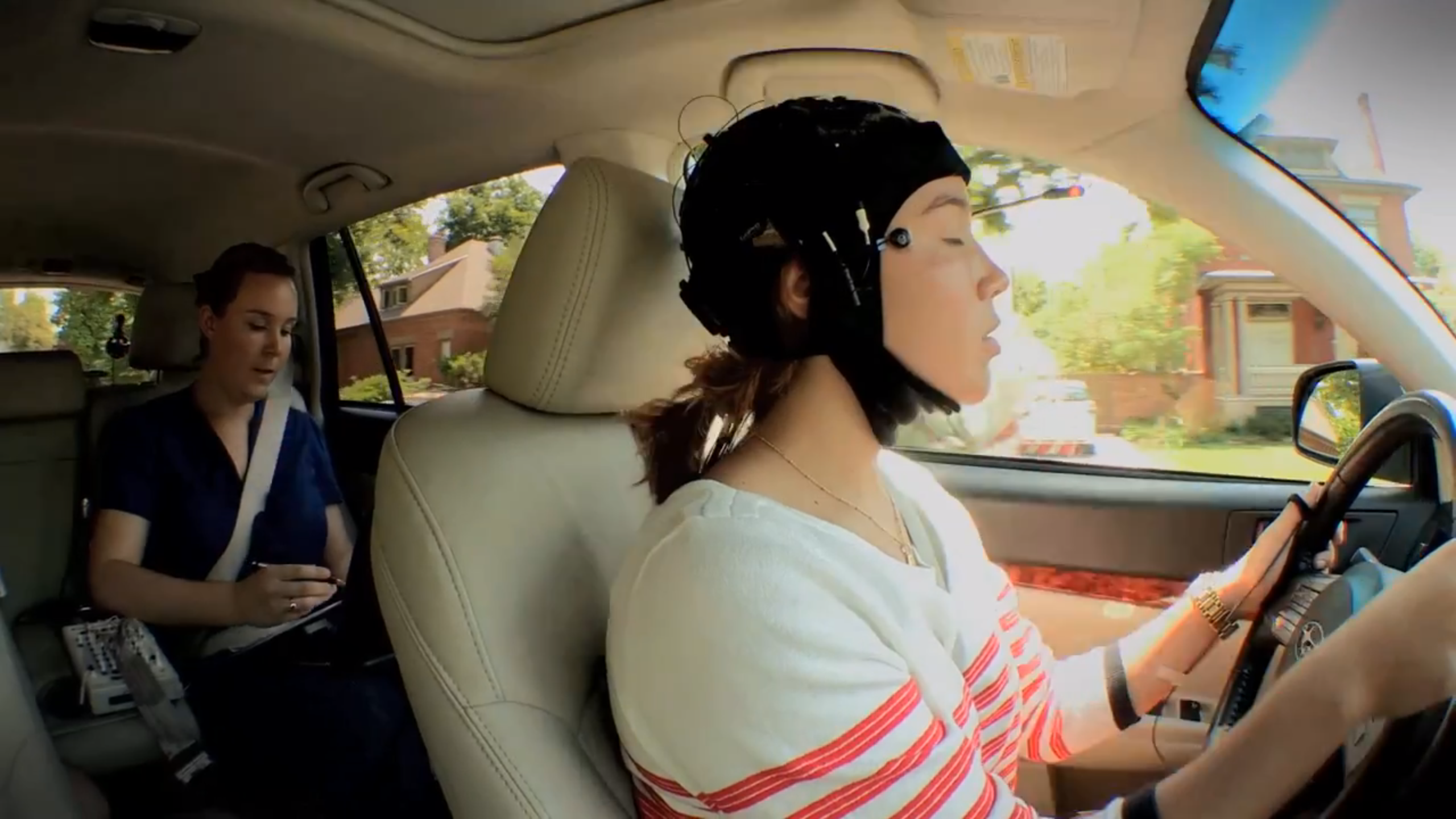 Fleet Safety Video Tip: Resisting the Urge to Multitask