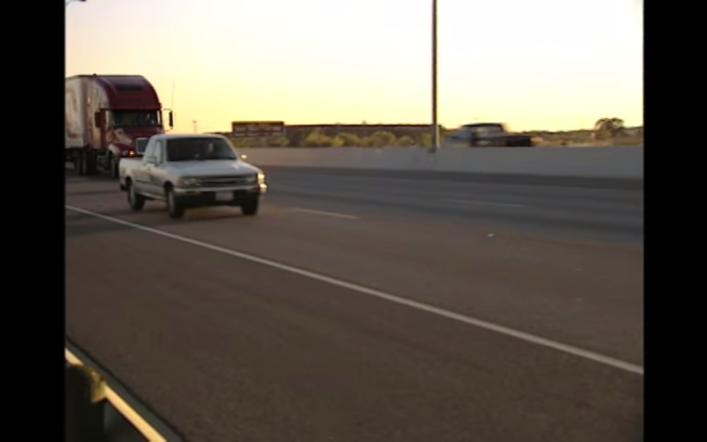 Fleet Safety Video Tip: Driving at Dusk and Night
