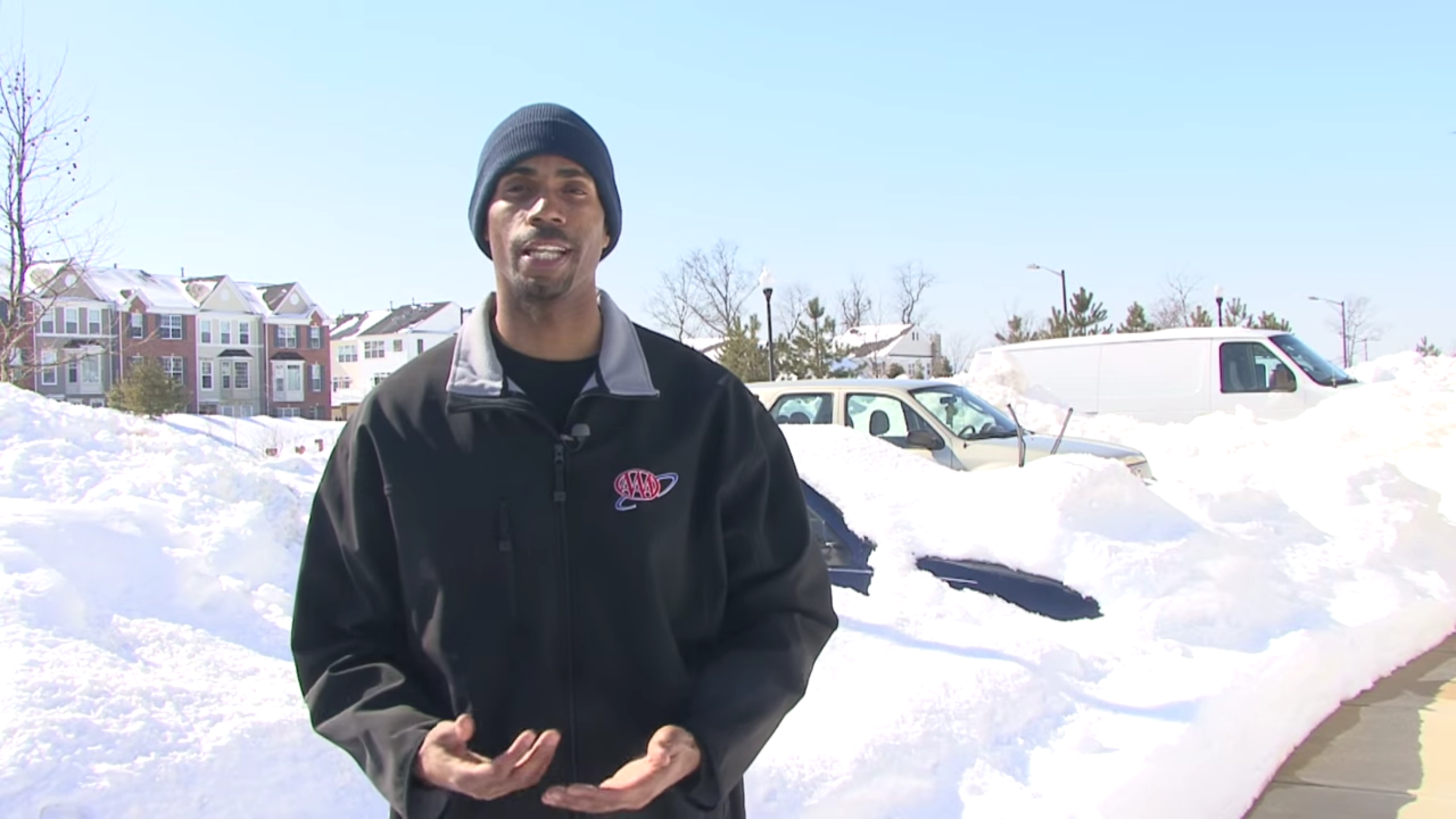 Safety Video Tip: Removing Snow from Your Vehicle